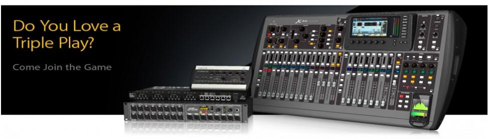 De nieuwe Behringer X32 console en toebehoren.